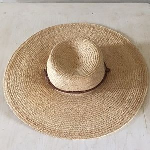(Gap)Straw hat